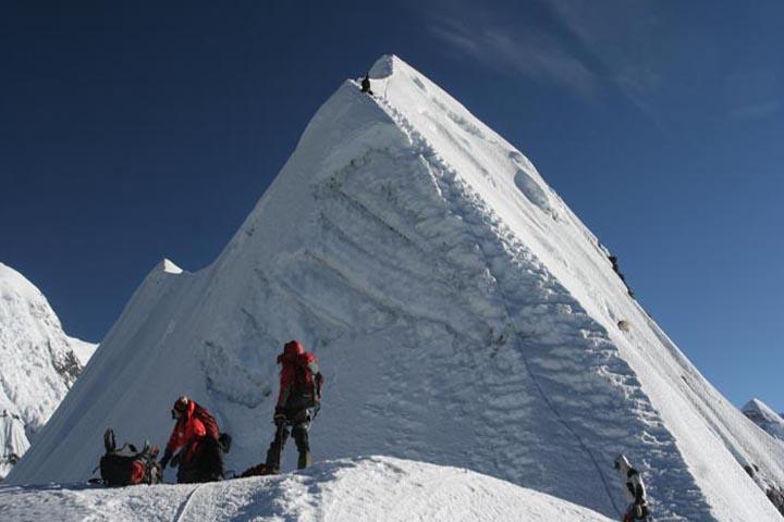 Ascension Island Peak avec trois hauts cols
